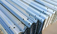 如何保护公路波形护栏网愈加经用和安全